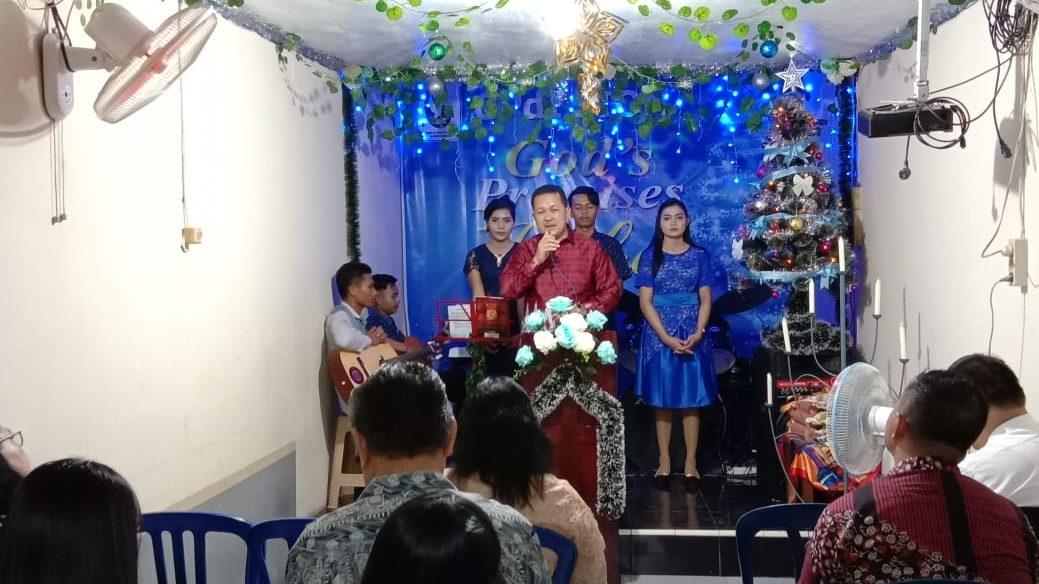 Wakil Bupati Kubu Raya Hermanus saat menghadiri Natal Bersama di GPDI Sion, Desa Ampera Raya, Kecamatan Sungai Ambawang, Senin (10/12/2018).