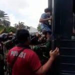 Aksi May Day di Kedubes AS, 15 Mahasiswa Papua Diangkut ke Polda Metro Jaya