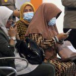 Keluarga Kru Pesawat Sriwijaya Berharap Ada Keajaiban