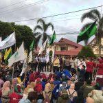 Aliansi Mahasiswa Unjuk Rasa di DPRD Ketapang