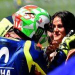 Pacar Cantik Valentino Rossi Curhat, Kerap Dilecehkan di Paddock MotoGP