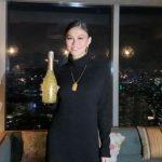 Agnez Mo Luncurkan Wine Love Potion by A MO Bertabur Emas