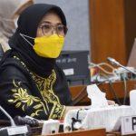 Dinilai Diskriminatif, DPR Desak Menteri Nadiem Ubah Aturan Soal Dana BOS