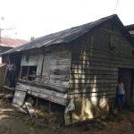 Petrus 61 tahun huni rumah yang tak layak huni