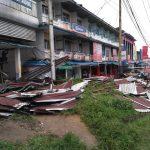 Hujan disertai angin kencang rusak ruko dan jaringan listrik PLN