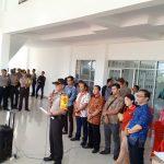 Polisi Kawal KPU Melawi Rampungkan Logistik Pemilu