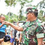 Pangdam XII/Tpr Tinjau Langsung Giat Karya Bakti TNI