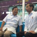 Naik MRT, Jokowi-Prabowo Duduk Berdua dan Berbincang Akrab