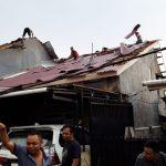 Hujan berdurasi Singkat Porak Porandakan Pemukiman Warga Ambawang