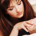5 Cara Haluskan Telapak Tangan yang Kasar Kembali Seperti Kulit Bayi