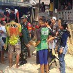 Babinsa Koramil 1202-17/Jgb Bantu Evakuasi Warga Binaan yang Sakit