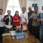 Bantu Pasarkan Beras Landak, Karolin Apresiasi Dukungan Dinas Pertanian TPH Kalbar