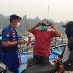 Pembagian Masker Gratis Untuk Masyarakat Pesisir