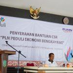 PLNSalurkan Bantuan CSR di Bengkayang
