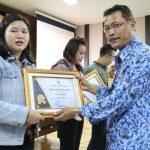 50 Wajib Pajak di Kota Pontianak Terima Penghargaan