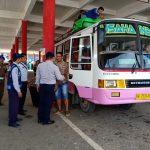 Antisipasi Kecelakaan, Pemkab Landak Tes Urine Para Supir Bus