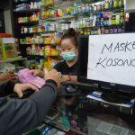 Stok Masker Kosong di Pontianak Akibat Permintaan Meningkat