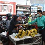 Wali Kota Pontianak Bagikan Masker dan Edukasi Masyarakat di Pasar Rakyat