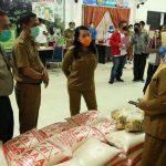 Pemkab Landak Salurkan Bantuan Yang Terkumpul Dari Donatur
