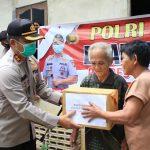Polres Bengkayang Salurkan 100 Paket Bansos