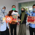 Pengrajin Binaan Dekranasda Terima Bantuan Sembako