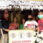 Bersatu Melawan COVID-19, Pemuda Dayak dan Swasta di Bengkayang Salurkan Bantuan
