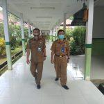 Plt. Kadinkes Bengkayang Kunjungi Pasien Covid-19 di Pemangkat