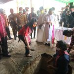 Bupati Landak Letakkan Batu Pertama Pembangunan Pastoran Mandor