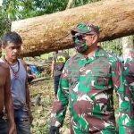 TNI Bantu Warga Terdampak Bencana Puting Beliung