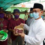 Wali Kota Apresiasi Panitia Gunakan Besek Untuk Wadah Daging Kurban