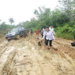 Akses Ruas jalan Ngabang – Desa Muun Tahun Ini Belum Diperbaiki