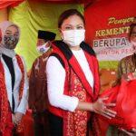 Kemensos Pastikan Warga Rentan Terdampak Pandemi Terima Bansos