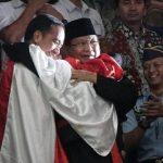 Makna Hari Pahlawan Bagi Pesilat yang Pernah Peluk Jokowi dan Prabowo