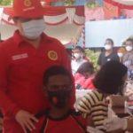 Vaksinasi Covid-19 di Papua: Antara Hoaks, Trauma Tentara, dan Stok Habis