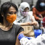 Berantas Keraguan, Muslim di Negara Ini Terima Vaksin Covid-19 di Masjid
