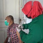 957 Guru SD dan SMP di Ketapang Disuntik Vaksin Sinovac