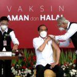Orang Pertama Disuntik Vaksin Corona, Jokowi: Enggak Terasa Sama Sekali