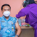 Vaksin Perdana di Puskesmas Kampung Bali, Wali Kota : Tetap Terapkan Prokes
