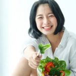 Dua Kunci Cegah Penyakit Kronis, Makan Sehat dan Olahraga