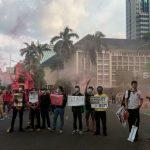 Massa Buruh Bubar Sebelum Maghrib, Jalan Medan Merdeka Barat Mulai Normal