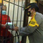 Berkah Ramadhan 1442 H, Tahanan Polres Ketapang Ketiban Rezeki Takjil dan Nasi Kotak
