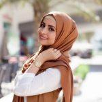 7 Gaya Jilbab untuk Pemilik Pipi Chubby, Termasuk Hijab ala Ibu Pejabat