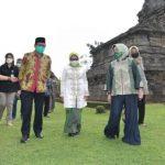 Kembangkan Desa Wisata, Gus Menteri Kunjungi Candi Rimbi di Jombang