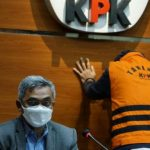 KPK Tahan Paut Syakarin, Pengusaha Penyawer Anggota Dewan Rp 2,3 M di DPRD Jambi