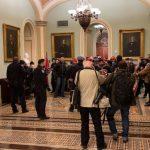 Identitas Perusuh Gedung Capitol diungkap Warganet, Berujung Dipecat!