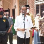 Cek Vaksinasi di Aceh, Jokowi Sebut Covid-19 Tak Akan Hilang dari Indonesia