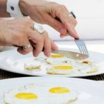 Trik Pisahkan Putih dan Kuning Telur dengan Bawang, Begini Caranya!