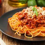 Cocok untuk Makan Malam Romantis, Ini Resep Spaghetti Bolognese Praktis