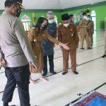 Songsong Idul Fitri, Bupati Landak Tinjau Disiplin Prokes di Masjid Ngabang