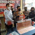 Polisi Bongkar Sindikat Pengedar Uang Asing Palsu Senilai Triliunan Rupiah